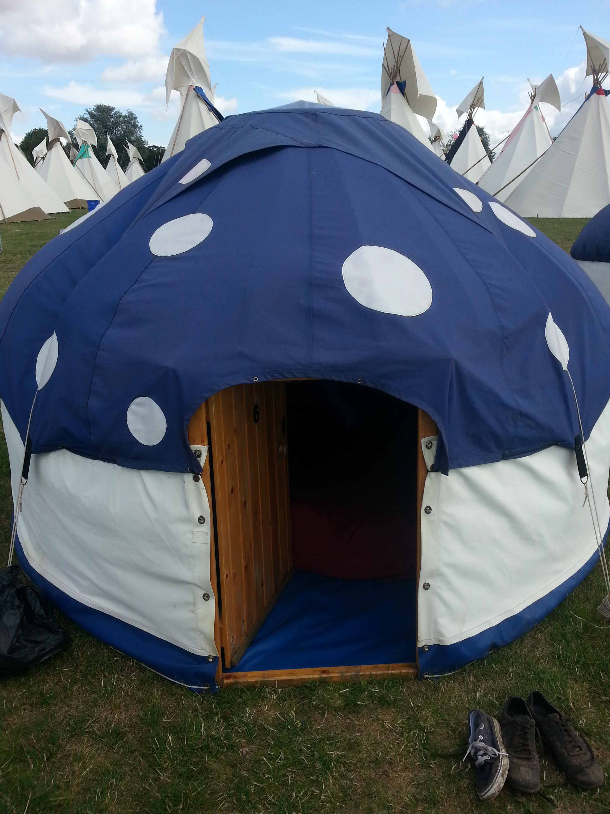 Camping bed double - Secret Garden Party Boutique Camping Priv 201 E